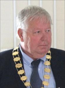 Stewart Barnes, Mayor of Box