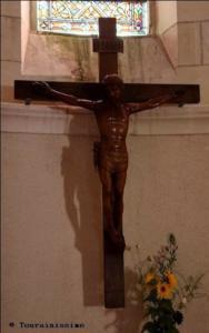 Christ en bois date du XVII siecle